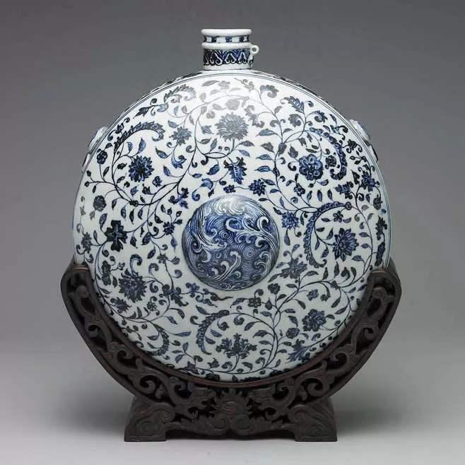 明 永乐 青花瓷花卉纹扁壶