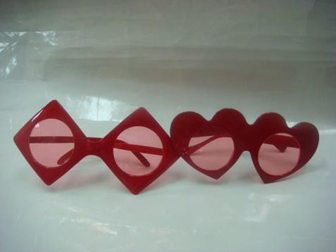 桃心、方塊眼鏡